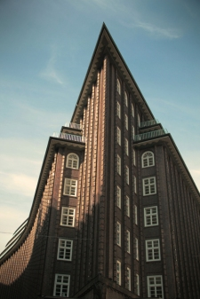 Hamburg City Center - Chileahaus in the sun