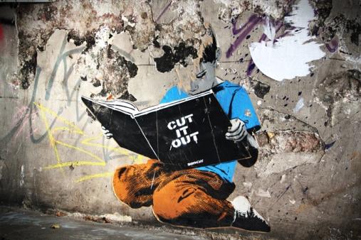 Hamburg - street art the reading boy