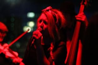 Hamburg - Etonnez-moi Benoit singer