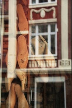Hamburg - Reflection shoemaker