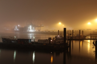 Hamburg Hafen at night