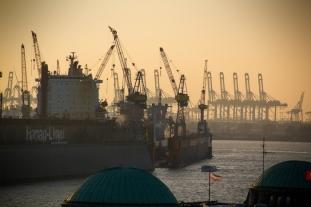 Hamburg Hafen - Dusk