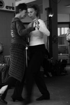 Hamburg - dancing women