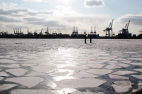 Hamburg Hafen in ice